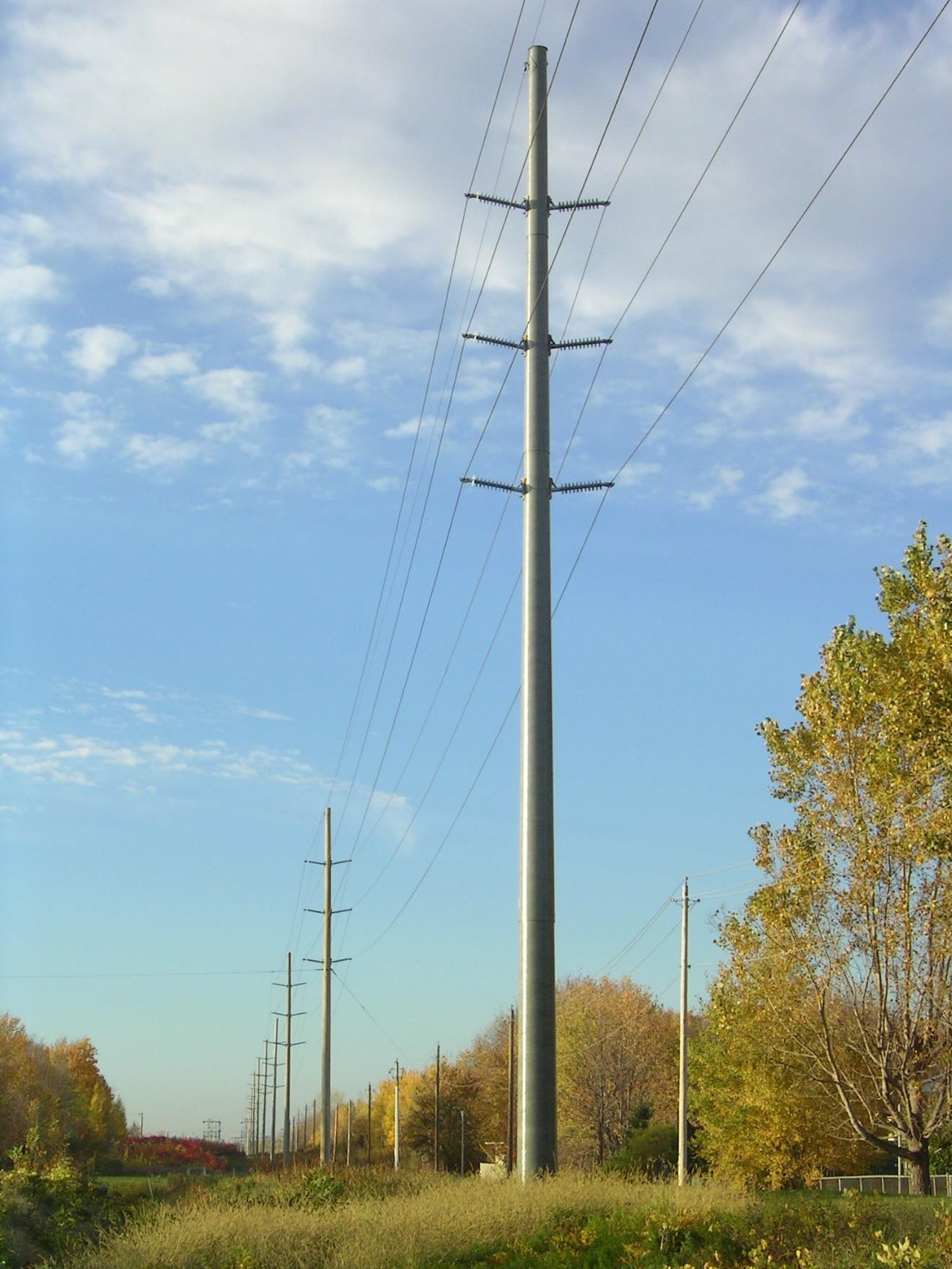 Double circuit 115kV RS pole installed with Cornwall Electric (A FortisOntario Company) in Cornwall, Ontario, Canada