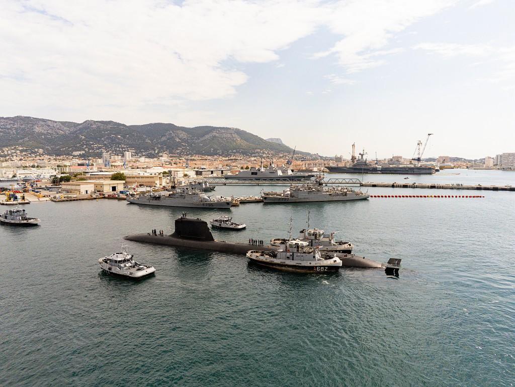 Le sous-marin nucléaire d'attaque Suffren arrive à Toulon