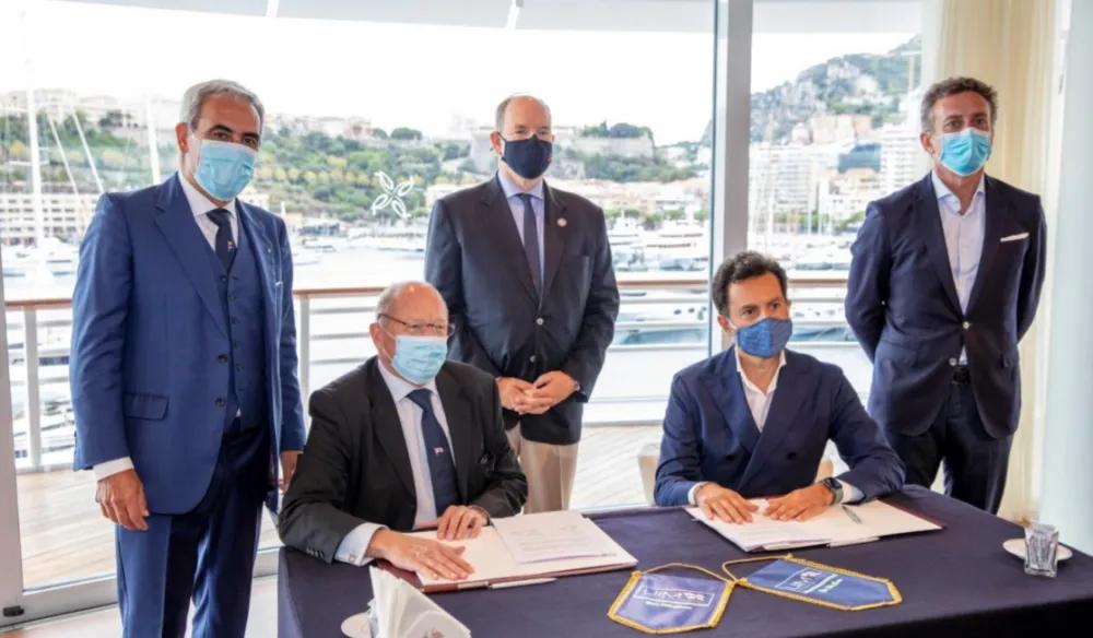 From left to right:Dr.Raffaele Chiulli, UIM President, Thomas Kurth, UIM Secretary General, HSH Prince Albert II  of  Monaco, Rodi Basso, E1Co-Founder and CEO, Alejandro Agag, E1 Founder and Executive Chairman