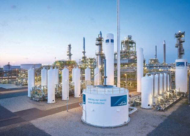 Extracting hydrogen from natural gas networks