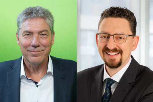 Sebastian Dombos (right) is taking over as Managing Director of ENGEL Deutschland GmbH at the Nuremberg location on 1 April 2021. Ralf Christofori (left) headed ENGEL's sales and service subsidiary in Nuremberg as managing director for more than 20 years.