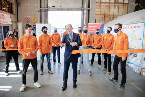 The official opening of Nuna11 construction was done by Peter Snijders, Mayor of Zwolle, Netherlands (Photography Hans-Peter van Veldhoven).