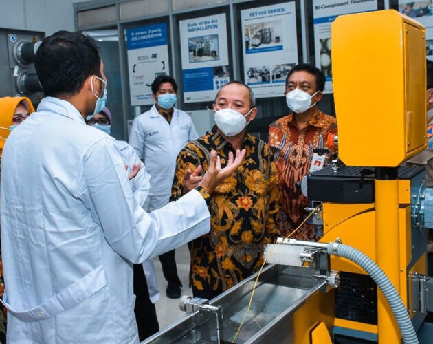 FET has installed a new FET-100 Series Laboratory Melt Spinning System at the Center for Textile, in Indonesia