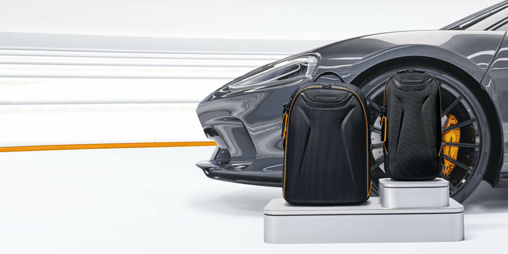 We've paired CX6® carbon fiber accents with the ultra-lightweight Tegris ® for an exceptionally sleek yet durable carry-on.