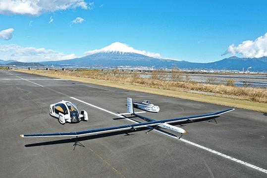 Development of an ultra-lightweight CFRP solar plane