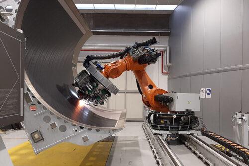 Human/robot collab zips up production rates