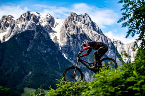 NAWAStitch brings game-changing strength to Santa Cruz mountain bike team's new carbon-fiber race wheels