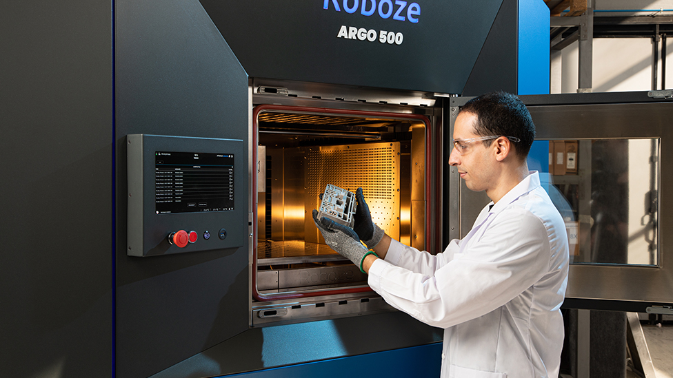 Roboze ARGO 500: The first large-format super polymers 3D printer for industrial production