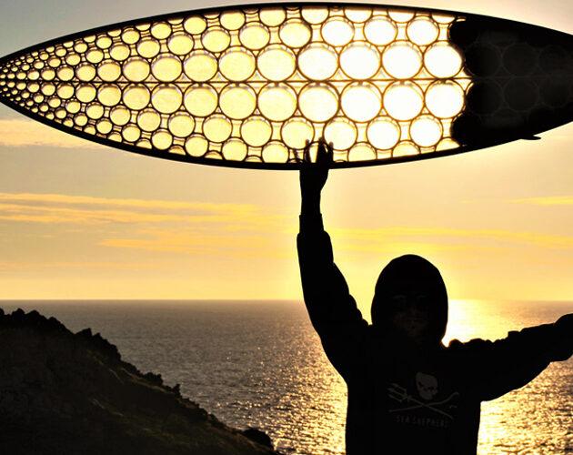 Paradoxal Surfboards, des planches de surf imprimées en 3D à partir d'algues vertes