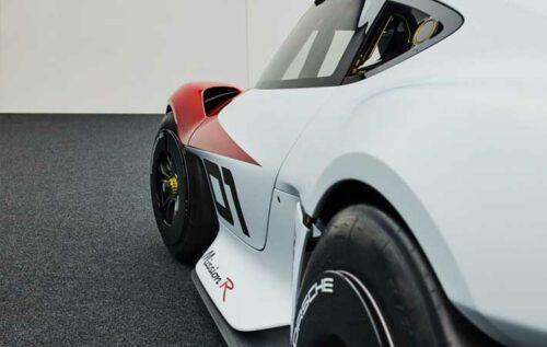Porsche unveils Mission R, with natural fiber components and carbon cage