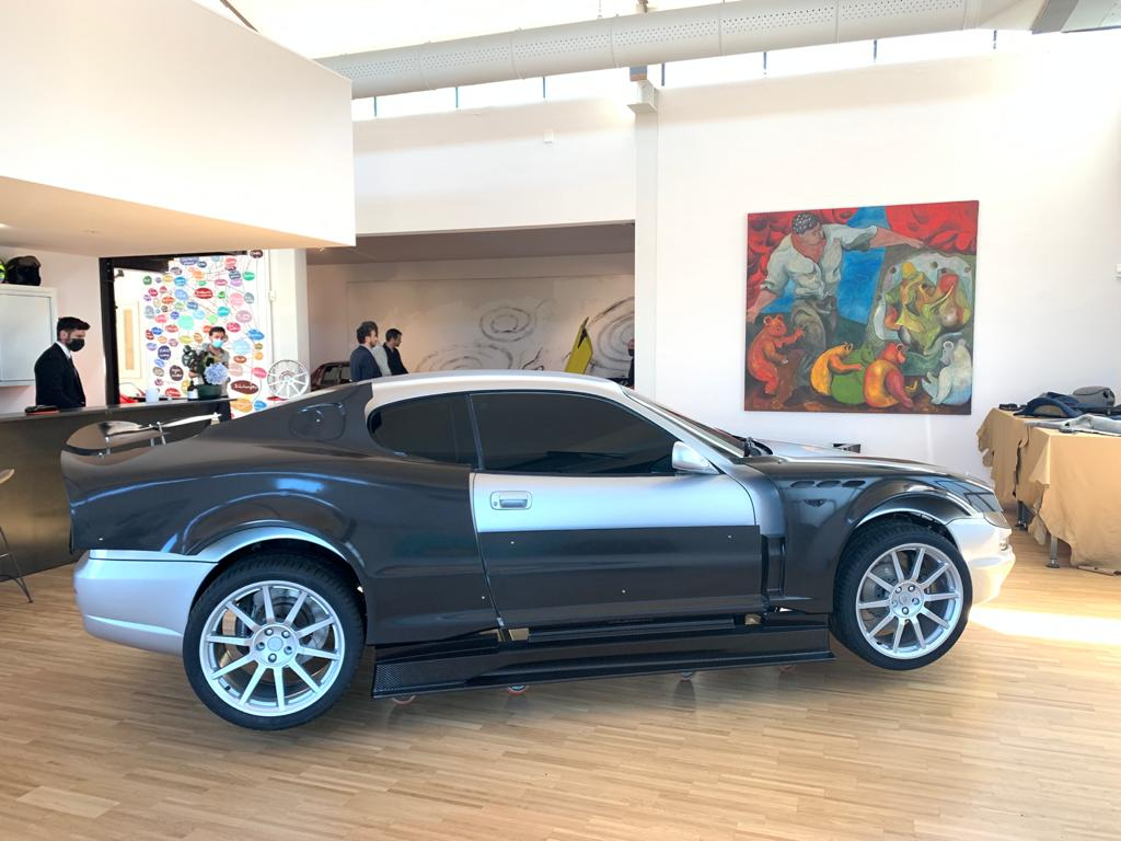 Tthe first partial prototype of the Restomod project, presented before the 2021 Motor Valley Fest. CMS Kreator Restomod: the hybrid machine for 3D printing and milling of composites Bercella used for the Maserati Restomod project