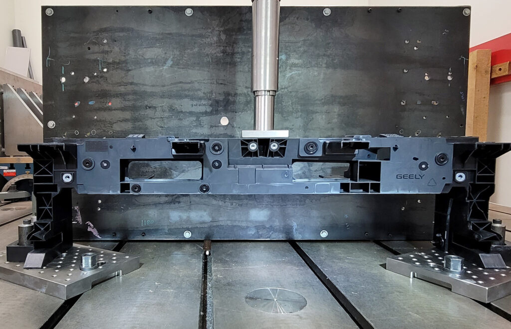 LANXESS comprehensive part testing services conclude new application developments to ensure highest safety and reliable performance according to customer specifications and in correlation with LANXESS advanced CAE methodologies. Photo: LANXESS