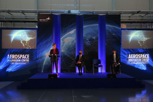 First Minister of Scotland Nicola Sturgeon, pictured with Tom Gentile, President and CEO, Spirit AeroSystems (L) and Scott McLarty, Senior Vice-President and General Manager - Airbus, Spirit AeroSystems (R).